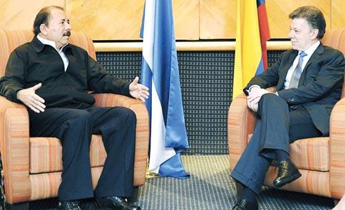Diálogo. Daniel Ortega, presidente de Nicaragua, y Juan Manuel santos, presidente de Colombia, tratan de poner paños fríos a la cuestión en el caribe.