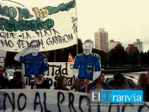 Organizaciones rechazan a las afueras de la Municipalidad de La Plata el Protocolo Antipiquete