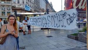 Barrios de Pie organiza Ollas Populares en pleno centro de Buenos Aires.