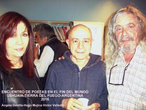 Ángela Gentile con los poetas Hugo Mujica y Víctor Hugo Valledor en la provincia de Tierra del Fuego